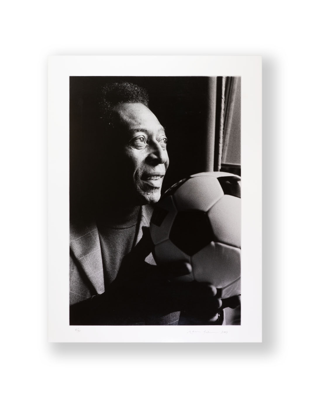 Pele FIFA 100 Footballers Exhibition Photograph Hand Signed by Pele